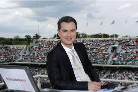 Laurent Luyat est souriant et il a l'air sympa. Mais quand il nous montre une balle de match annoncée à la place d'un jeu plein de suspens on lui en veut quand même.