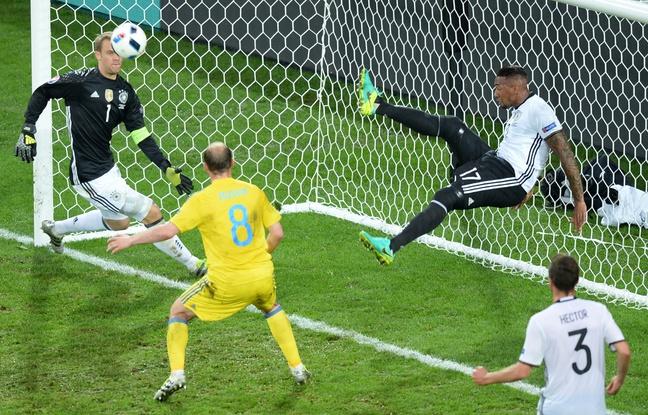 Pour une fois que Neuer semblait battu, Boateng le sauve. En plus de tout il a de la chance.