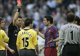 Finale 2006 Barcelone - Arsenal : l'arbitre norvégien Terje Hauge expulse Jens Lehmann. Le Barça est un grand d'Europe. Arsenal ne gagnera jamais la C1.