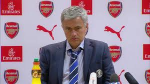 Une cravate rouge suffirait-elle à faire de Mourinho l'entraîneur d'un Arsenal qui nous ferait vibrer ?
