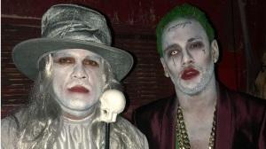 Et en plus on veut nous faire croire que ces deux personnes déguisées sont Alves et Neymar! De qui se moque-t-on?
