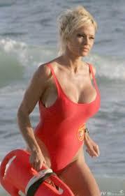 Pamela Anderson a décidé de devenir sauveteuse après avoir étouffé involontairement un fiancé